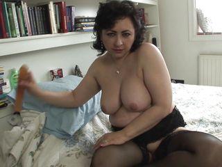 Порно фото игр с огромными дилдо толстыми