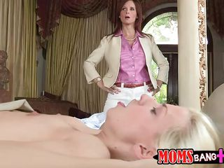 грубый секс втроем