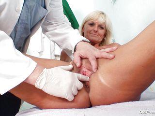 Смотреть любительский секс зрелой женщины