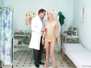 русский секс с сиськами маленькими зрелые