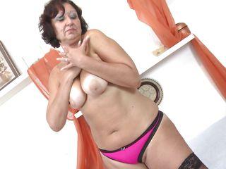 Порно видео зрелых в нижнем белье