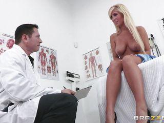 Анальный секс с русской блондинкой