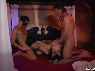Порно групповуха оргазм