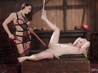 Порно госпожа в колготках