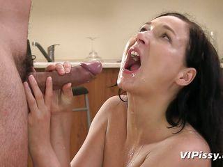 Порно госпожа срут ссут