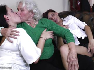 Порно нарезка оргазм зрелых