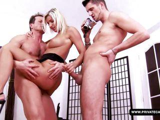 Порно фото большие сиси и попы