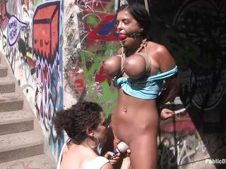 Чернокожая госпожа порно