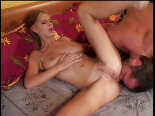 Порно муж кончает в жену