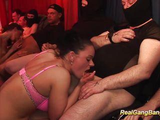 Первый анал реальное порно скачать мп4