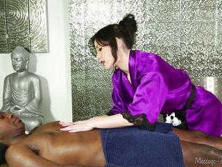 Белые служанки у негров порно