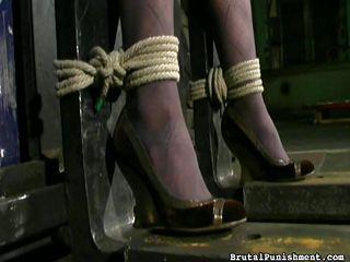 госпожа кончает рабу порно