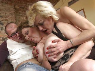 Порно анал со старушками
