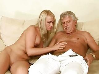 Рассказы про секс со старой пьяной шлюхой