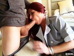 Порно горничная 24