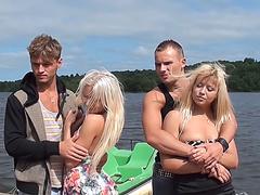 Русское лесби страпон видео