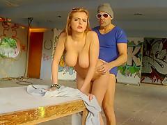 Молодая русская няня порно