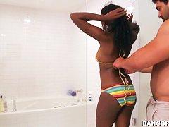 Женщина учит сексу подрастающего юношу ретро