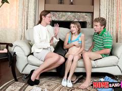 Семья нудистов онлайн