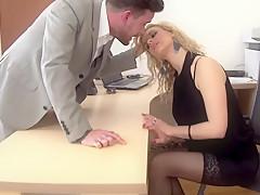 Порно фильм проститутка на работе