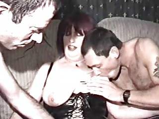 Зрелые дамы и юнцы порно
