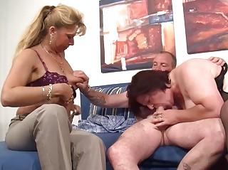 Секс зрелые подглядывание