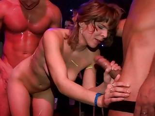 Случайный секс на улице русское