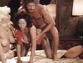 Порно на улице группа